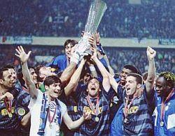 Inter Vince Coppa Uefa 1997-1998
