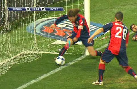 Genoa-Inter gol non gol di Mario Balotelli