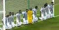 Preghiera calciatori Mazembe | Finale Mondiale per Club 2010
