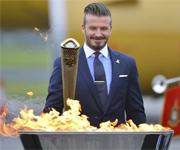 Beckham accende torcia olimpica (Olimpiadi Londra 2012)