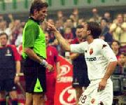 Cassano fa le corna arbitro Rosetti