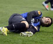 Foto Diego Milito infortunio ginocchio Inter Cluj 14/02/2013