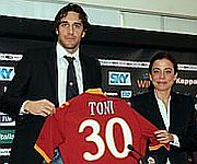 Presentazione Luca Toni alla Roma