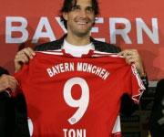 Presentazione Luca Toni Bayern Muenchen 2007