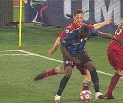 foto Totti calcione a Balotelli 2010 Inter Roma